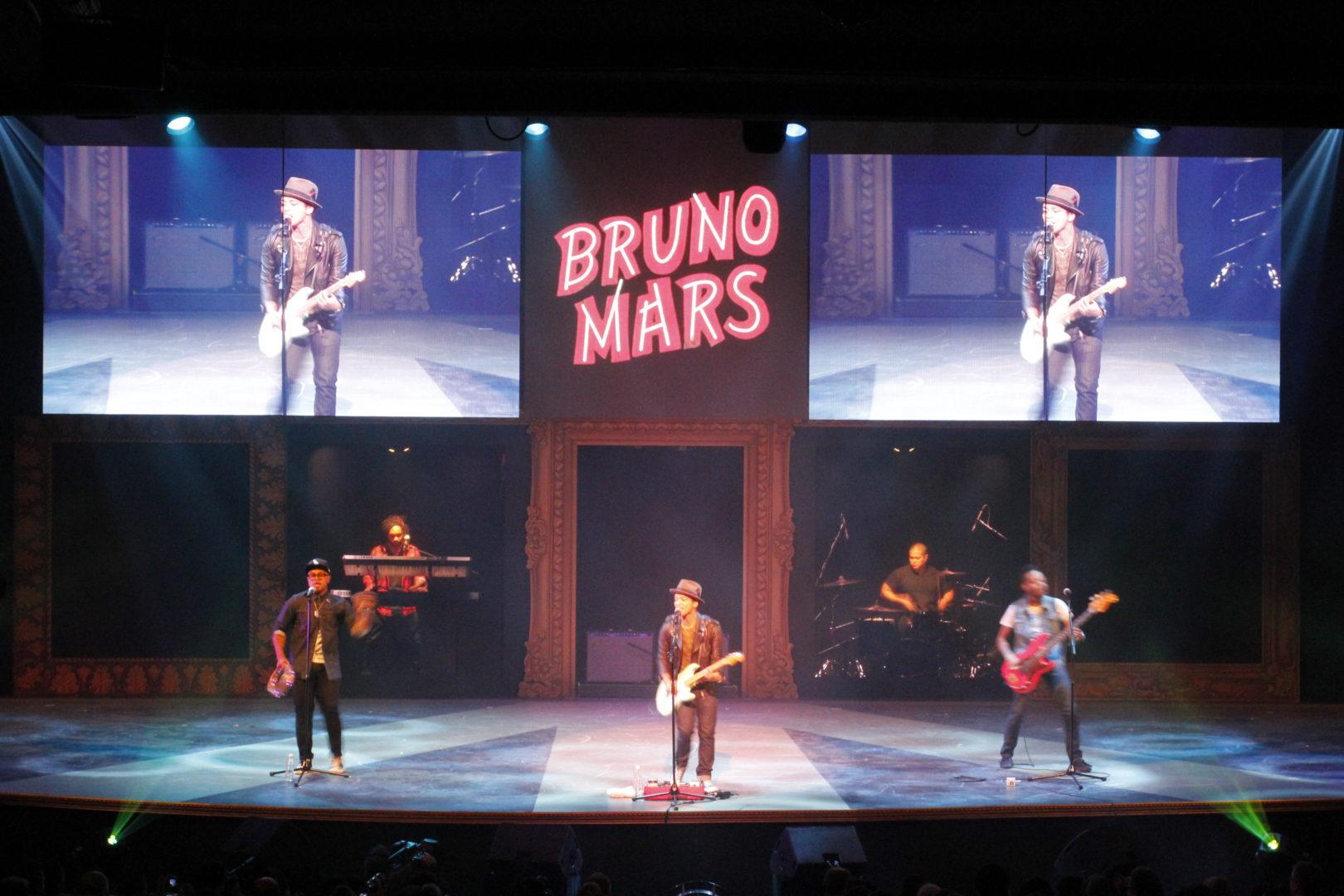 Macys Glamorama Bruno Mars Barco I6xp LED Walls