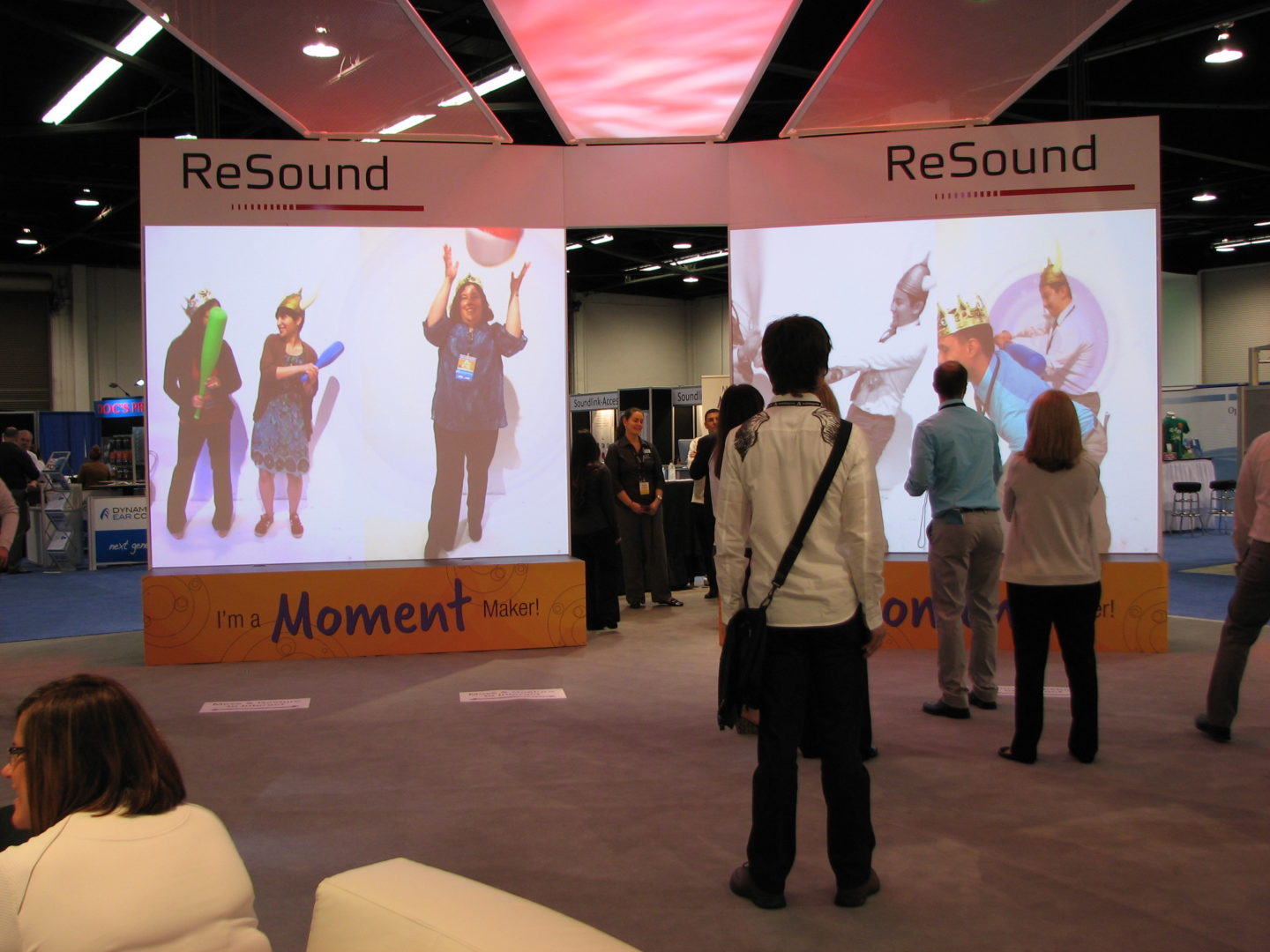 Interactive Tradeshow Projection